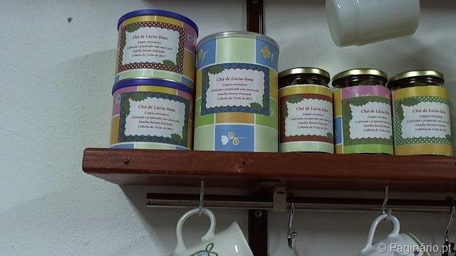 Frascos e latas para chá